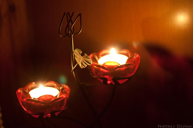 Свечи огоньки — то что дарит вечеру