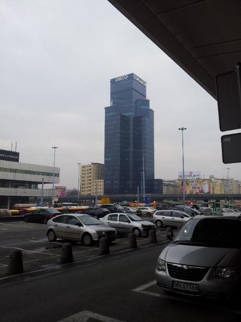 возле вокзала в Варшаве